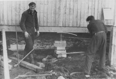 'Brakke på Sørøy som var oppsatt etter at telen var kommet i jorda
