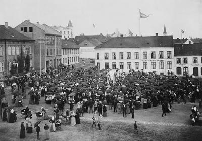 Demonstrasjonstog på Stortorget i 1893 for