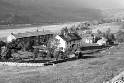 Foto av gården Fahle i Sunndal kommune