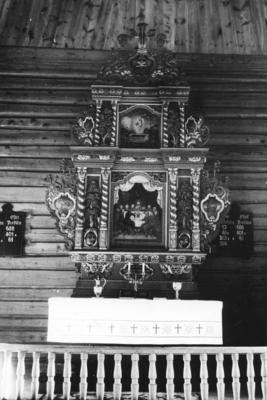 Ålvundeid kirke er en åttekantet kirke fra 1848 i Sunndal kommune